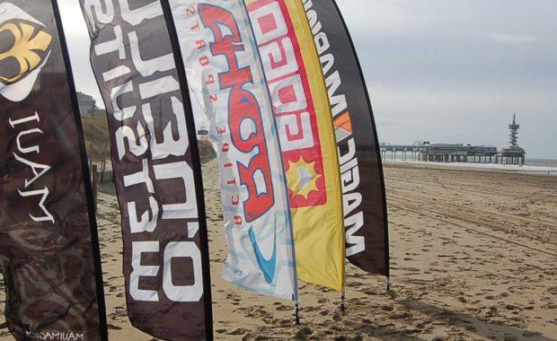 beachflags strandvlaggen scheveningen