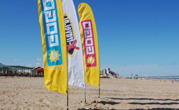 Beachflags voor op het strand gogo tours